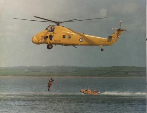 22 Squadron Wessex Mk 2 - Training with the Hollyhead Inshore Life Boat